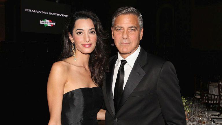 Megszülettek George Clooneyék ikrei