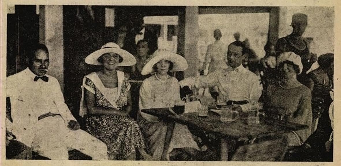Népszerű társasági figura volt (Betegh Bébi középen, mellette Viola Margit és Zilahy Pál)