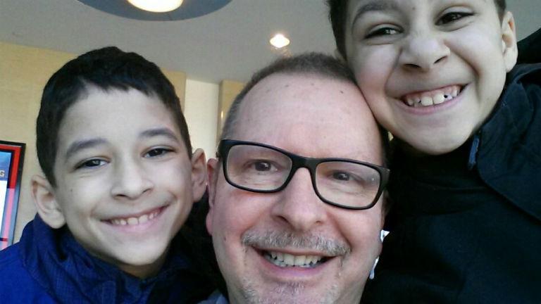 A nyílt levél szerzője, Jeff Jackson és gyermekei