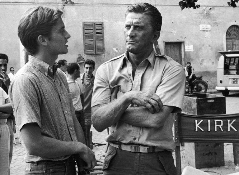 Michael és apja Kirk Douglas (Fotó: Getty Images)