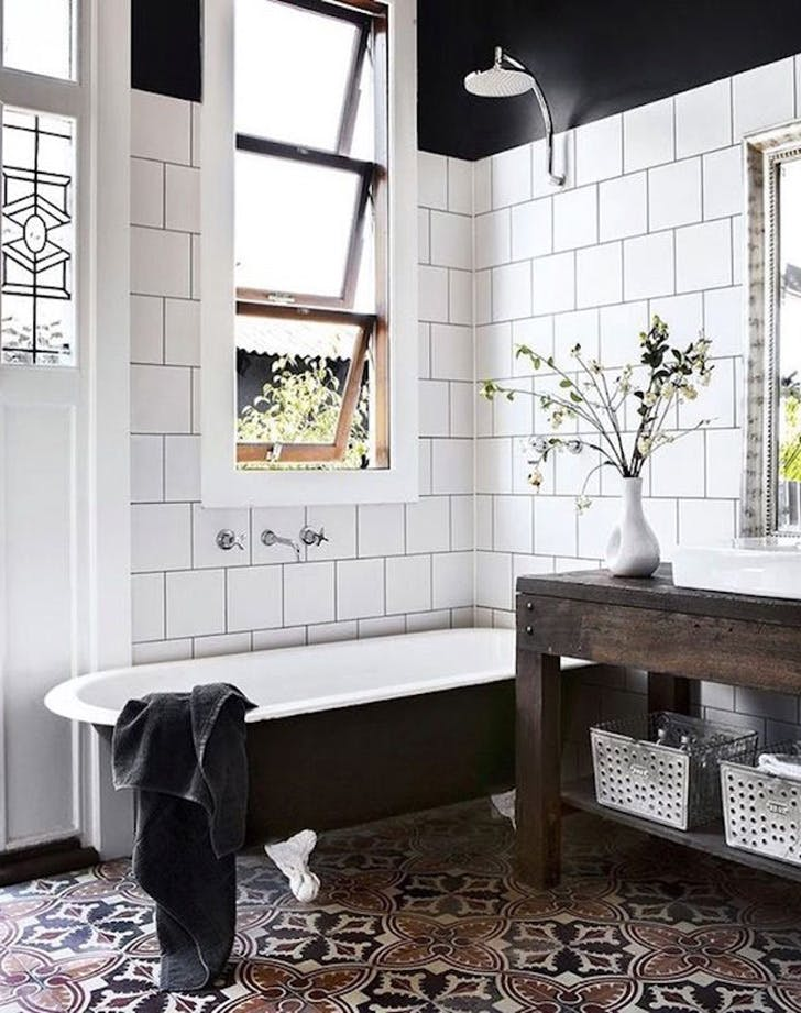7+1 tipp, hogy dobd fel a fürdőszobát mintás csempékkel