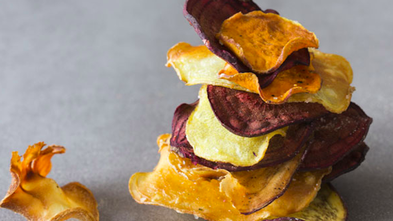 Kiderült: egészségtelenebbek a zöldségchipsek, mint a hagyományos chips