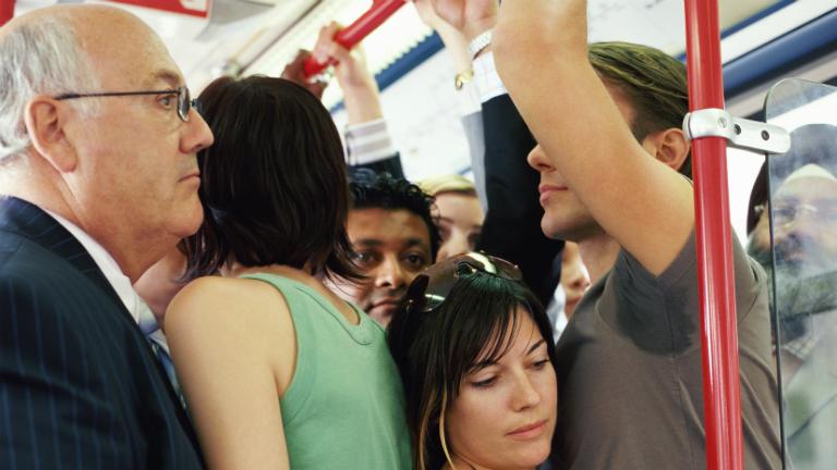 10 íratlan szabály a tömegközlekedéshez