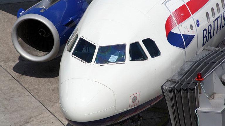 Főleg az Egyesül Királyságból érkező járatokkal van probléma