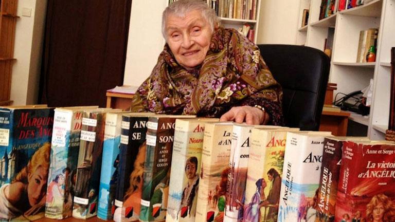 Elhunyt Anne Golon