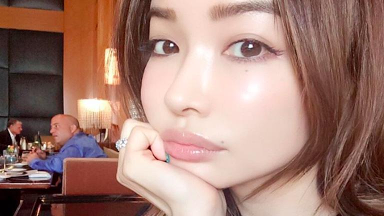 japán modellek szex fekete nő szex cső