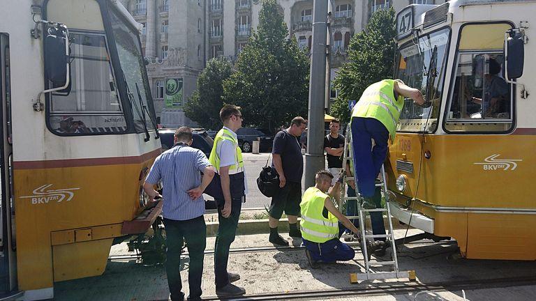 A forgalom már helyreállt a baleset eóta (Fotó: MTI/Mihádák Zoltán)