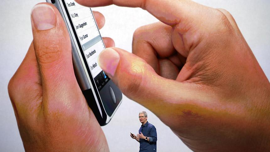 Tim Cook, az Apple első embere az iPhone 6 bemutatóján (Fotó: Getty Images)