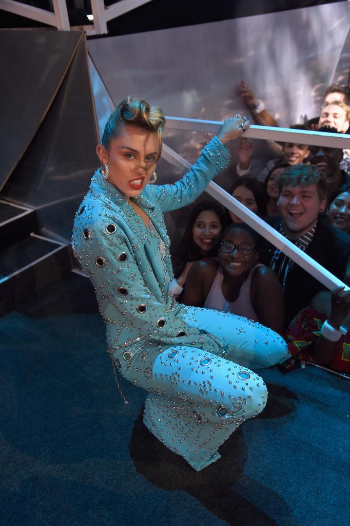 Falt a tüllszörny, lógott a kislábujj az MTV VMA-n