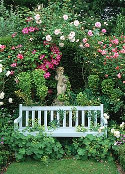 Színek a kertben - hogyan érvényesülnek a kerti díszek?