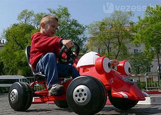 Hogyan  közlekedhet biztonságban a gyerek?