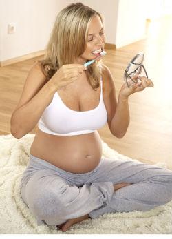 A terhesség tönkreteszi a fogakat?