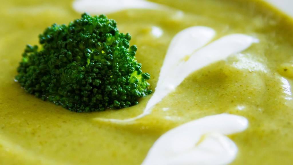 brokkolikrémleves csirkével