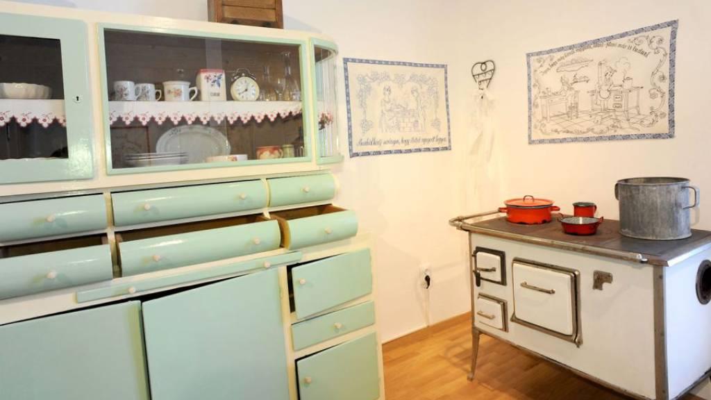 Falvédők a régi konyhában