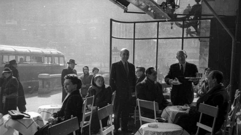 Vendégek a Gerbeaud-ban, 1957.