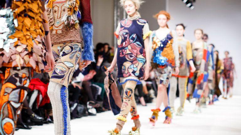 divatbemutató, modellek