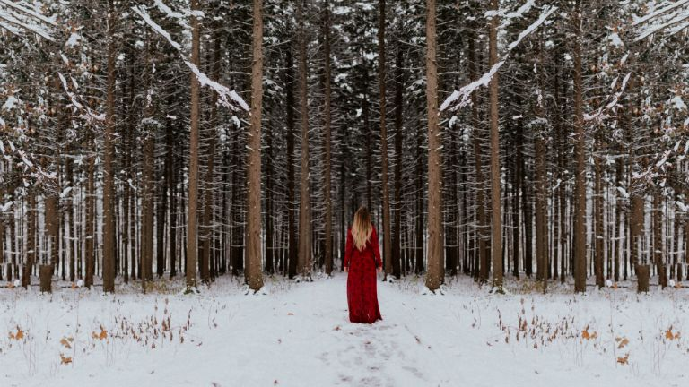 piros ruha menstruáció