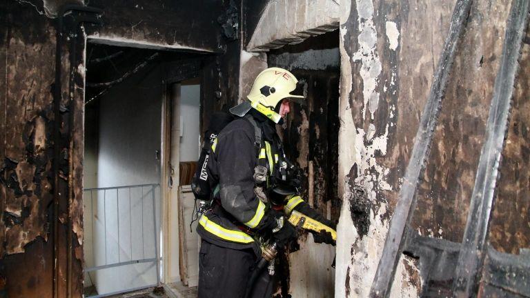 Tűzoltók (fotó: MTI / Nagy Lajos)