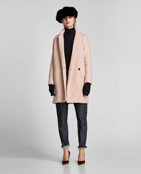 48786b9c8e Puha tapintású, halvány rózsaszín, egyenes vonalú kabát (Zara, 15.995  forint)