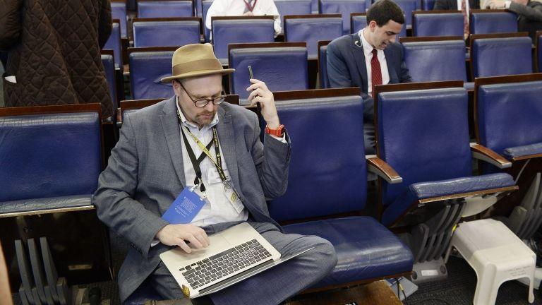 Glenn Thrush a Fehér Házban (fotó: Olivier Douliery/Consolidated/dpa)