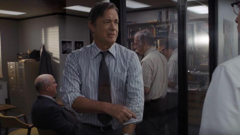 Tom Hanks feltűri az ingujját