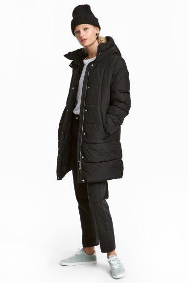 792cb86d93 Steppelt, hosszú télikabát. Éveken át divatban marad (H&M, 14.990 forint)
