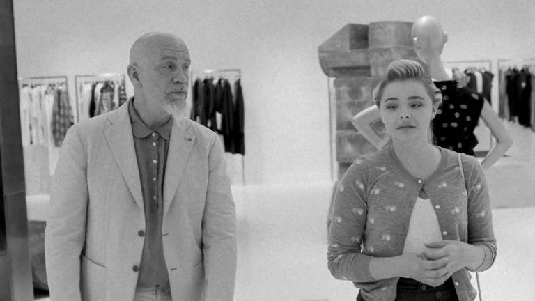 John Malkovich és Chloe Grace Moretz az I Love You, Daddy című filmben