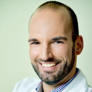 Dr. Tamási Béla
