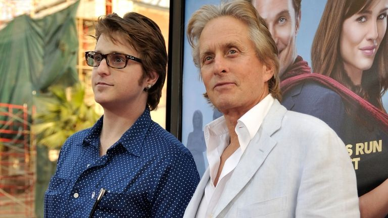 Michael Douglas és Cameron Douglas 2009-ben (fotó: Kevin Winter/Getty Images/AFP)