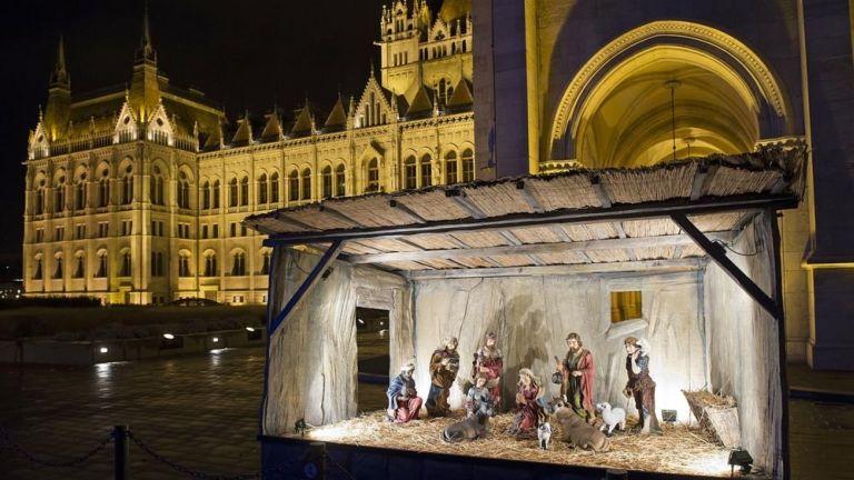 Betlehem a budapesti Kossuth téren, illusztráció (forrás: MTI / Lakatos Péter)
