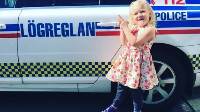 izlandi rendőrök