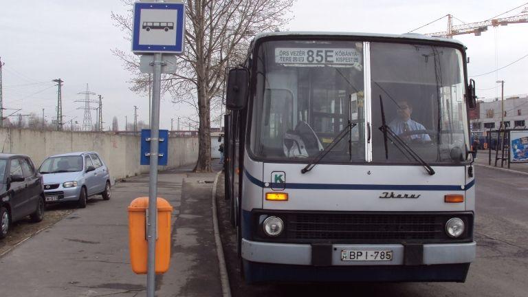 85E, busz (forrás: Wikipédia)