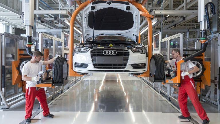 autó, robot, gazdaság (forrás: Audi Hungaria Motor Kft.)