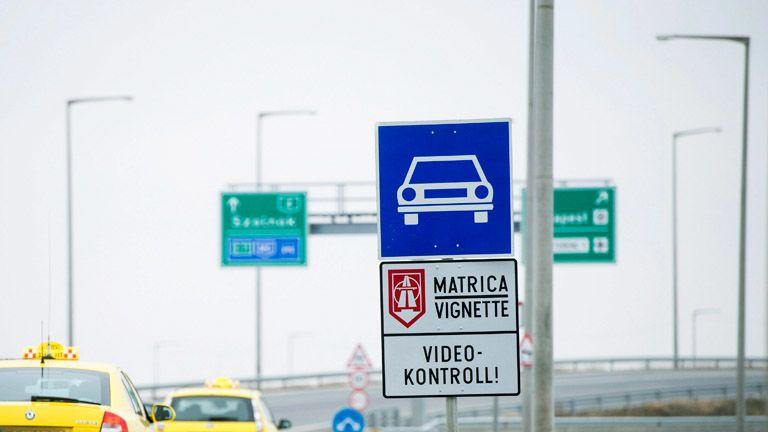 Január 31-ig érvényesek a tavalyi éves autópálya-matricák