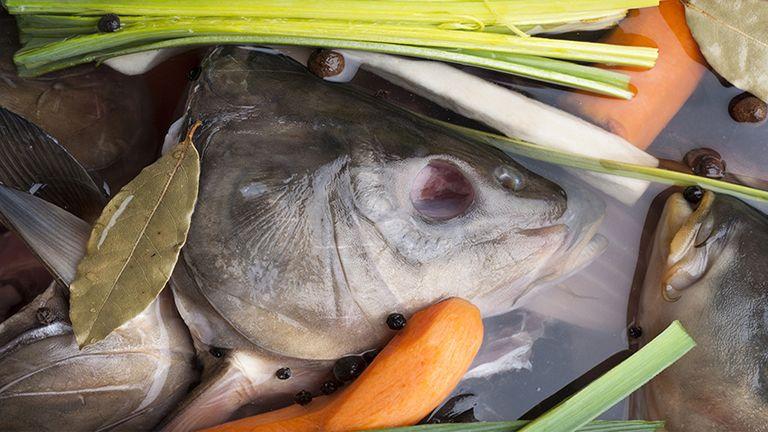 hal alaplé leves gasztronómia