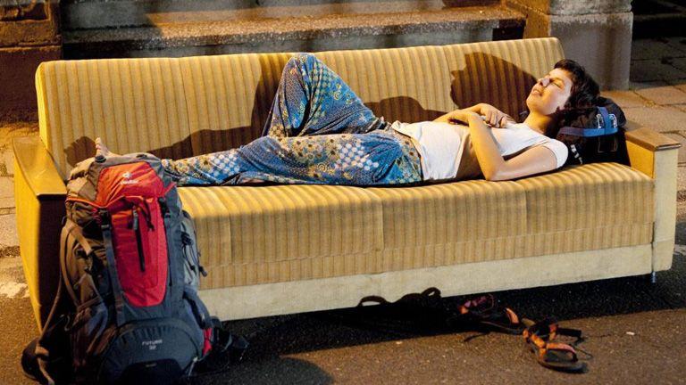 couchsurfing couch surf kiadó lakás kanapé