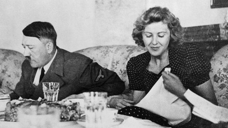 Adolf Hitler és Eva Braun ebédel
