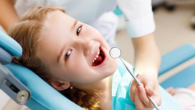 Kisgyerekkel a fogorvosnál