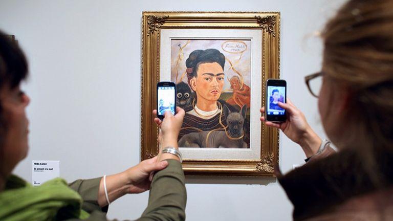 Frida Kahlo, festmény, múzeum (fotó: AFP / Patrick Kovarik)