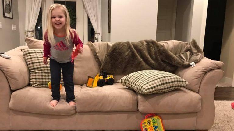 gyerek kanapé anyaság