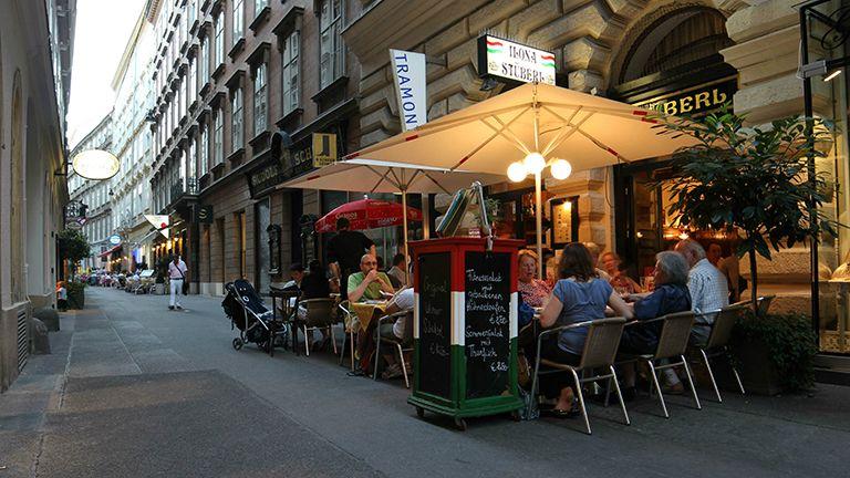 ilona stüberl étterem terasz bécs ausztria