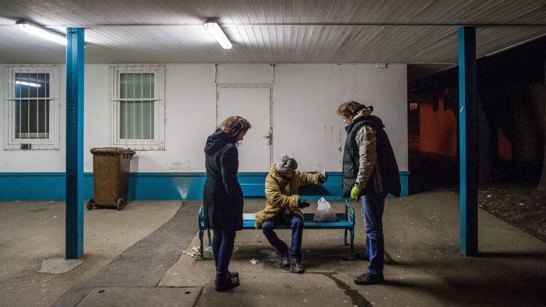 A Menhely Alapítvány segít a hajléktalanoknak (fotó: MTI / Balogh Zoltán)