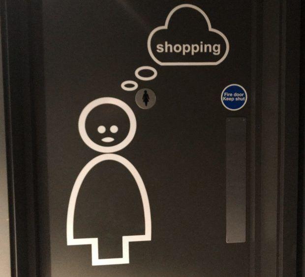 vécé szexizmus ajtó felirat