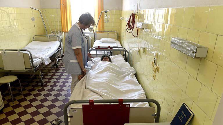 kórház egészségügy beteg doktor
