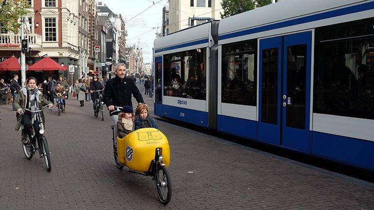 amsterdam bicikli család gyerek