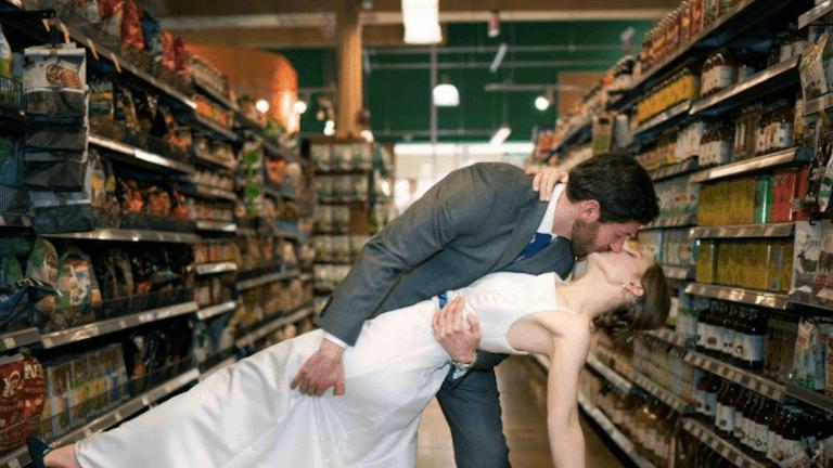 esküvő szupermarket fotózás