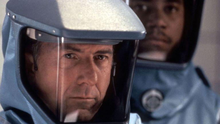 Vírus, Dustin Hoffman (forrás: InterCom)