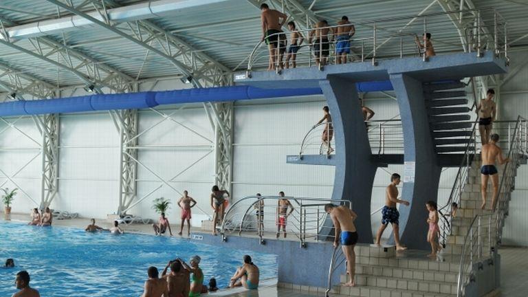 brassói élményfürdő (forrás: paradisulacvatic.ro)