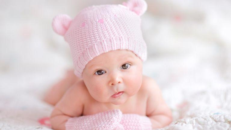 egypetéjű ikrek lányok várandósság