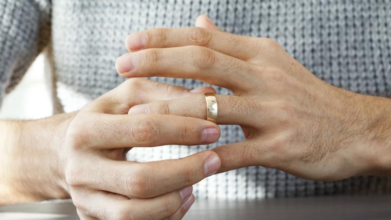 házasság, lánykori név, jegygyűrű